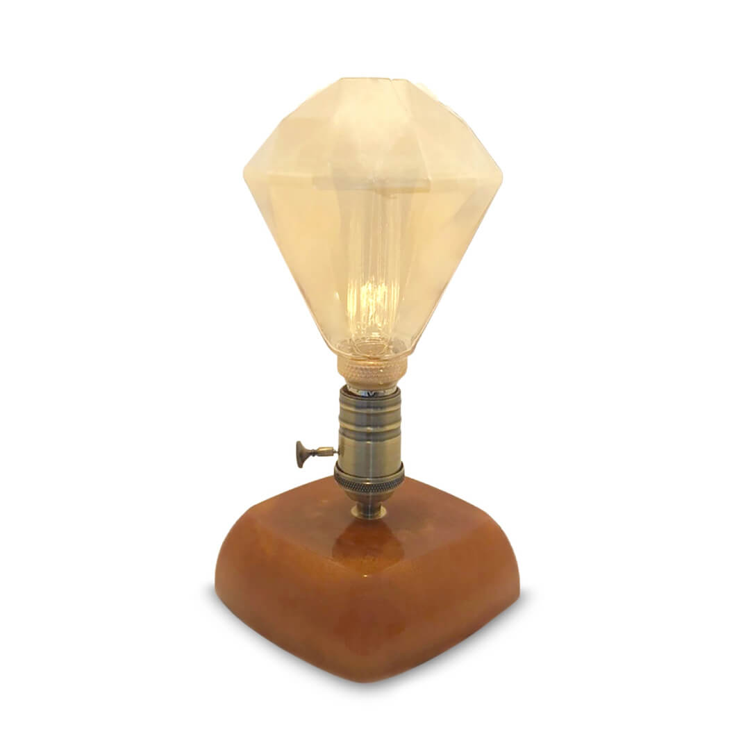 The Ceannt Retro Lamp
